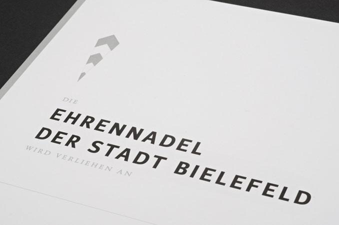 http://typo1.de/files/gimgs/50_ehrenkoppad5.jpg